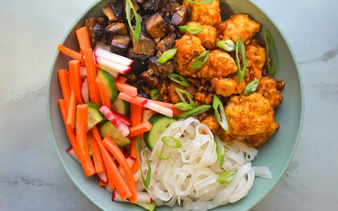Sriracha Tofu Rice Noodle Bowl